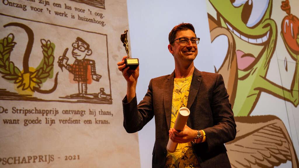 Gerben Valkema ontvangt Stripschapprijs 2 (c) Bob de Vries